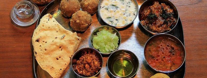 planet chamonix food hotel les lanchers - les praz - curry night